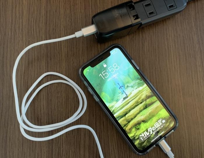 GENKI DockでiPhone充電