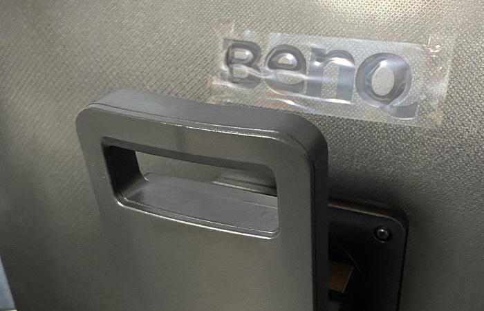 BenQ GW2780T 背面の持ち手